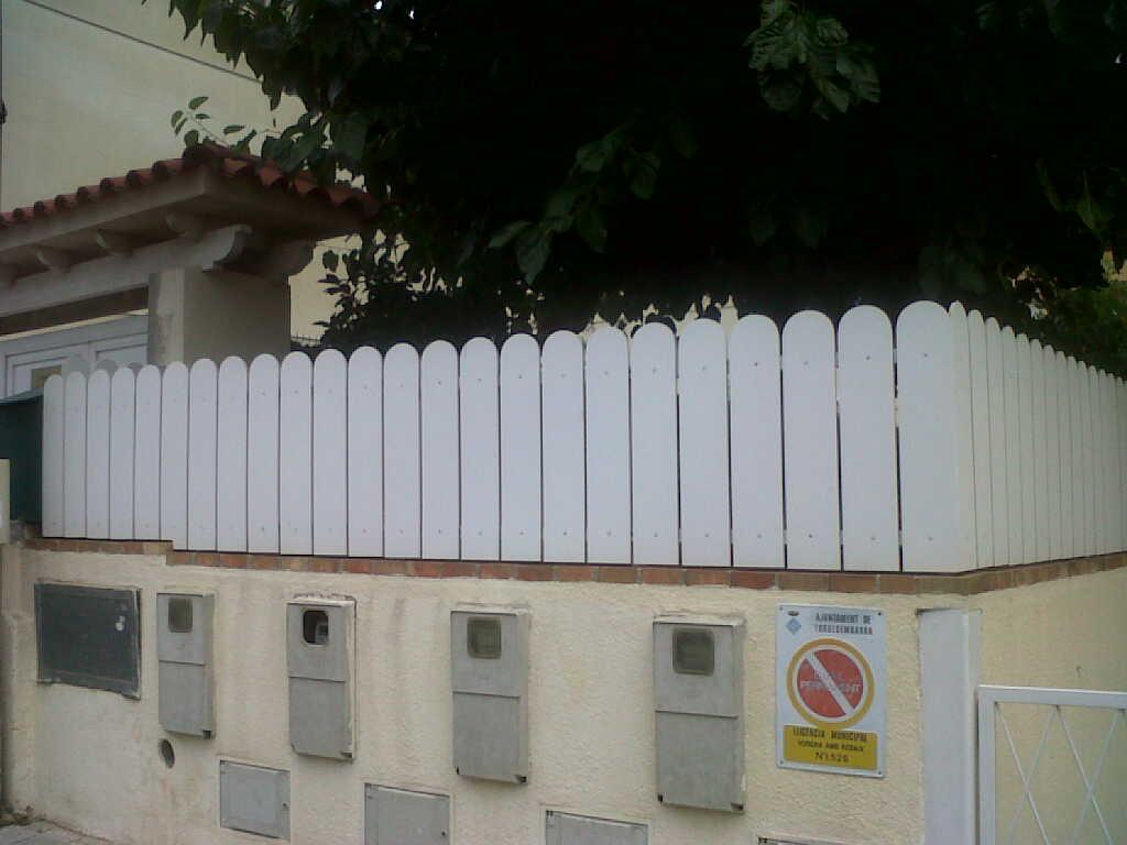 Montaje de vallas para jardin bricoblog for Vallas decorativas para jardin