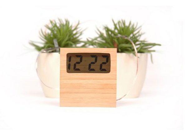 Reloj que funciona con energía limpia 1