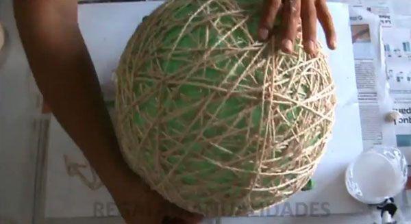 Lámpara de techo hecha con cuerda