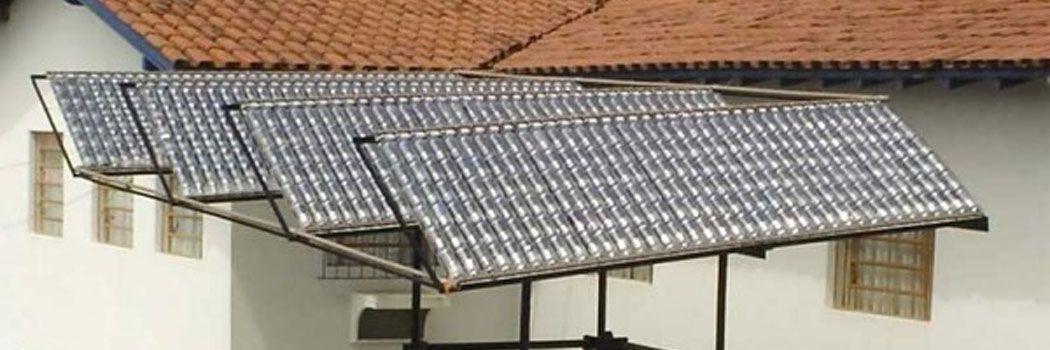 Panel solar con bolletas de plastico