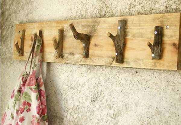 objetos decorativos reciclando ramas secas