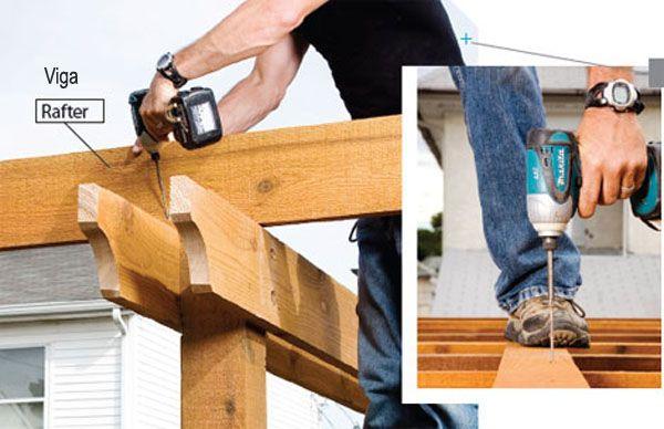 Construcción de una pérgola de madera - viguetas de atar