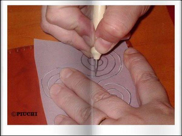 tecnica del repujado de cuero