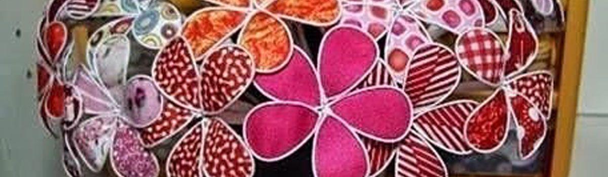 Originales flores con alambre y tejido
