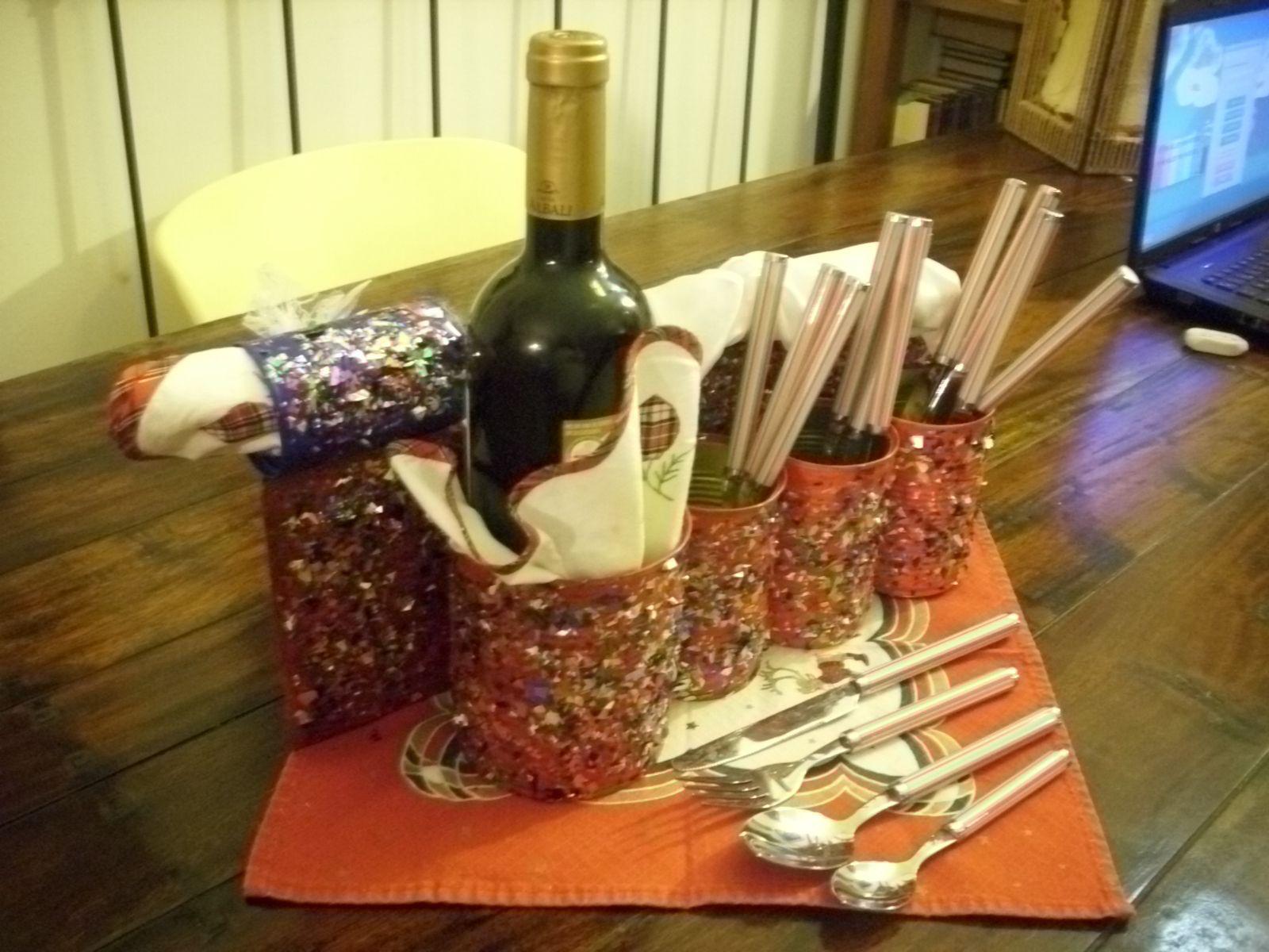 Servicio de mesa para Navidad con latas reutilizadas