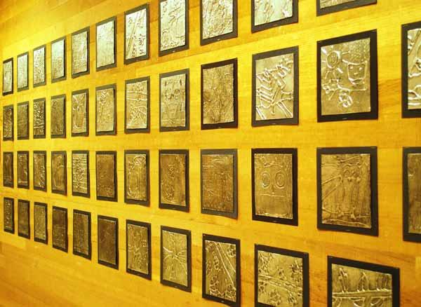 Láminas decorativas hechas con papel de aluminio