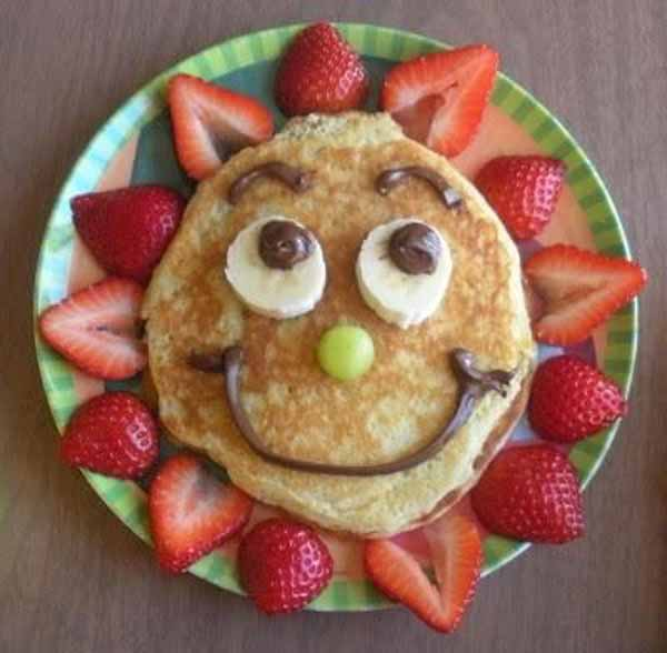 cocina infantil con comidas divertidas