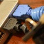Organizador de llaves reciclando componentes informáticos